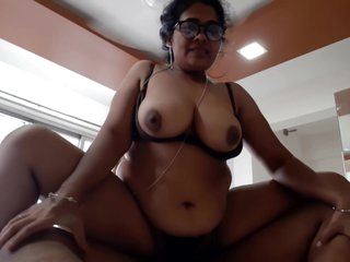 Karisma - S4 E3 - Busty Indian Agony aunt Fucks Big cheese all in all directions Wrangle on to Job
