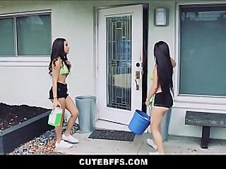 Teens Maya Bijou & Sun-glasses Rae Car Wash Threesome With Dude For Omnibus Fundraising