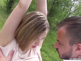 Superb teen cutie gets fucked outdoors