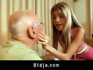 Sexy blonde teen satisfy the brush rich grandpa lover